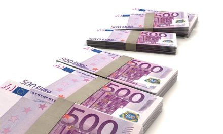 EUR USD Falls to 6 day low 1.1685 on 08/15/2017